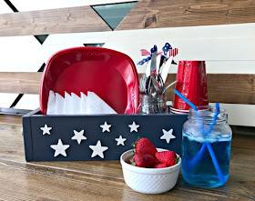 http://abbottsathome.com/patriotic-table-diy-utensil-caddy-basket/