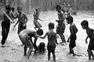 Permainan Hujan hujanan