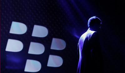 Los números revelaron un descenso de las ventas en casi 200 millones de dólares frente a los 660 millones de dólares del Q4 en 2015. Los resultados del último trimestre fiscal de BlackBerry dejan patente que la empresa canadiense sigue sumida en una grave crisis. Los números revelaron un descenso de las ventas en casi 200 millones de dólares frente a los 660 millones de dólares del Q4 en 2015. Además, los 464 millones de dólares ingresados en el pasado trimestre por BlackBerry están muy por debajo de los 563 millones de dólares pronosticados por los analistas, reseña Silicon. Por