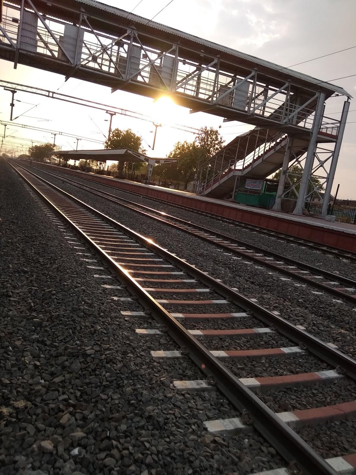 Indian railway Tracks, railway station, tracks, track, rail , rails , railway, railways, patri, train , trains , tracks, photography, photoshoot