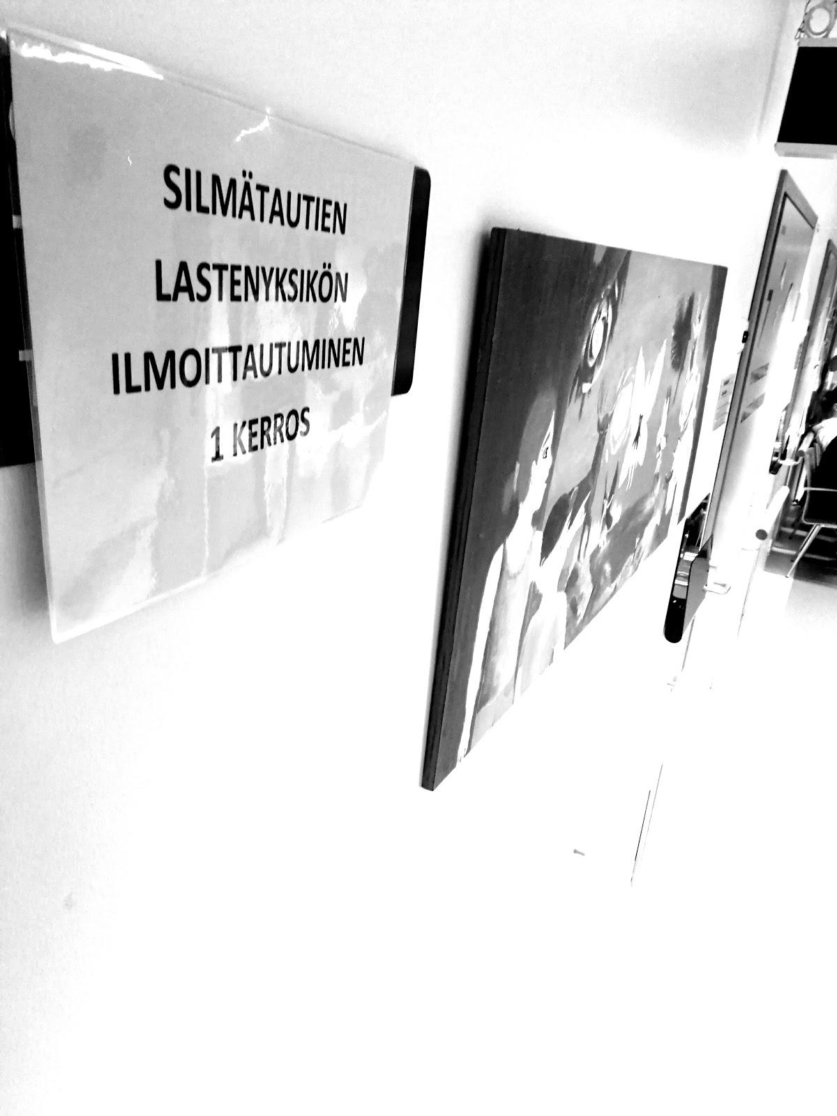 Saippuakuplia olohuoneessa -blogi, kuva Hanna Poikkilehto, silmätautien lastenyksikkö, Helsinki, Meilahti, Lapsen kehitys, Taapero, Lapsi, Neuvola, silmälasit,
