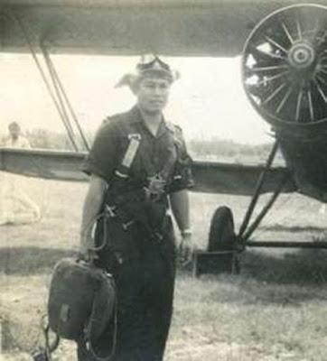 Biografi Adisucipto  Marsekal Muda Anumerta (lahir di Salatiga, Jawa Tengah, 3 Juli 1916 – meninggal di Bantul, Yogyakarta, 29 Juli 1947 pada umur 31 tahun) adalah seorang pahlawan nasional dan seorang komodor udara Indonesia. Beliau adalah seorang penganut agama Katolik. Adisutjipto dilahirkan 3 Juli 1916 di Salatiga, mengenyam pendidikan GHS (Geneeskundige Hoge School) (Sekolah Tinggi Kedokteran) dan lulusan Sekolah Penerbang Militaire Luchtvaart di Kalijati.Pada tanggal 15 November 1945, Adisutjipto mendirikan Sekolah Penerbang di Yogyakarta, tepatnya di Lapangan Udara Maguwo, yang kemudian diganti namanya menjadi Bandara Adisutjipto, untuk mengenang jasa beliau sebagai pahlawan nasional.  Adisucipto atau Adisutjipto berasal dari Salatiga, Jawa Tengah. Beliau dilahirkan pada tanggal 4 Juli 1916. Sejak kecil beliau terkenal dengan kecerdasan dan ketajaman otaknya. Nilai-nilai dan prestasinya di sekolah sangat membanggakan. Setelah tamat dari Algemene Middelbare School (AMS) Semarang pada tahun 1936, Adisucipto langsung mendaftar ke Akademi Militer Belanda di Breda. Namun sang ayah menginginkannya menjadi seorang dokter dan bersekolah di Geneeskundige Hooge Shool (Sekolah Tinggi Kedokteran) Jakarta.  Adisucipto yang keras kepala mendaftarkan dirinya di Militaire Luchtvaart Opleidings School atau Sekolah Penerbangan Militer di Kalijati Subang. Beliau diterima dengan nilai yang sangat memuaskan bahkan beliau kemudian berhasil tamat