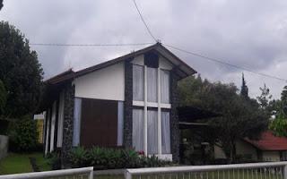 villa keluarga besar di lembang