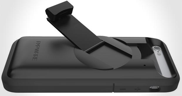 iPhone Recharging Crank Case