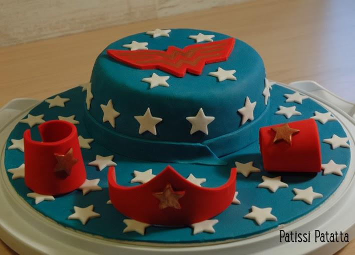cake design, gâteau 3D, pâte à sucre, gumpaste, fondant, wonder woman cake
