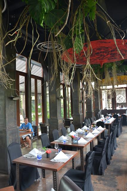 Indigo Pearl Phuket garden restaurant