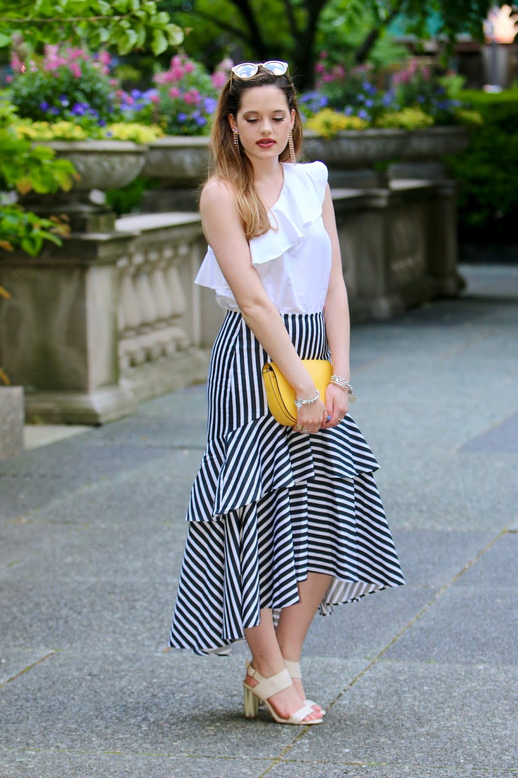 Nyc fashion blogger Kathleen Harper's Chicago summer street style