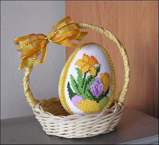 wzory haftow krzyzykowych na jajka