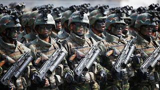 πολίτες έκαναν αίτηση να καταταγούν στον βορειοκορεατικό στρατό