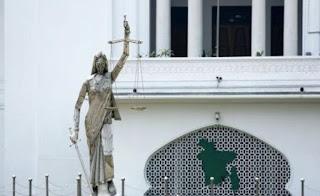 «Σφάζονται» στο Μπαγκλαντές για το άγαλμα της Θέμιδας