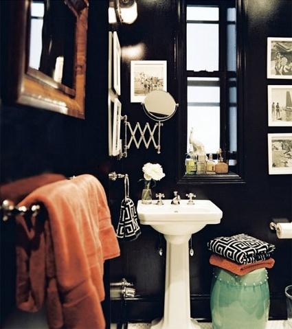 Men's Bathroom 11
