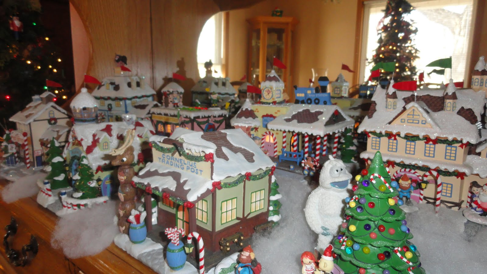 Rudolph Christmas Village.Christmas Town Village Sets Merry Christmas And Happy New