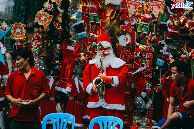 They - foreigners living in Vietnam and how they celebrate Christmas in Vietnam? 6