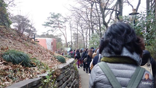 Antrian masuk Museum Ghibli