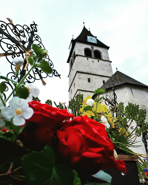 Roses in the old town of Kitzbühel
