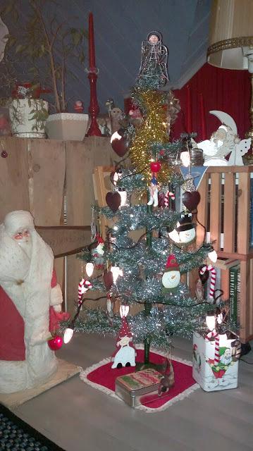 vanha joulukuusi joulupukki