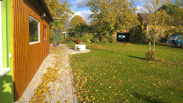 Herbstsonne im Landgarten (c) by Joachim Wenk