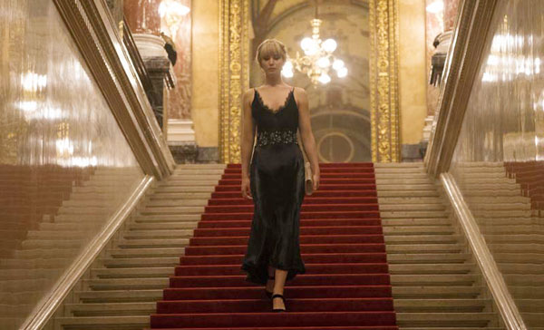 A scene from RED SPARROW (2018)
