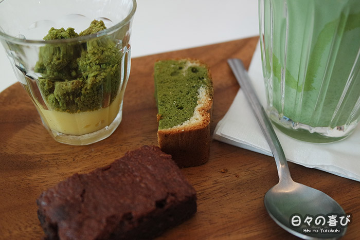 zoom trio de patisseries et matcha latte