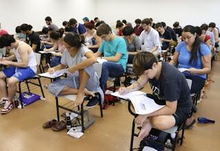 Prefeitura abre seleção com 150 vagas para professores do EJA
