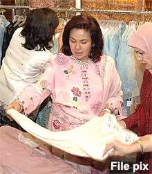Image result for rosmah rantai berlian
