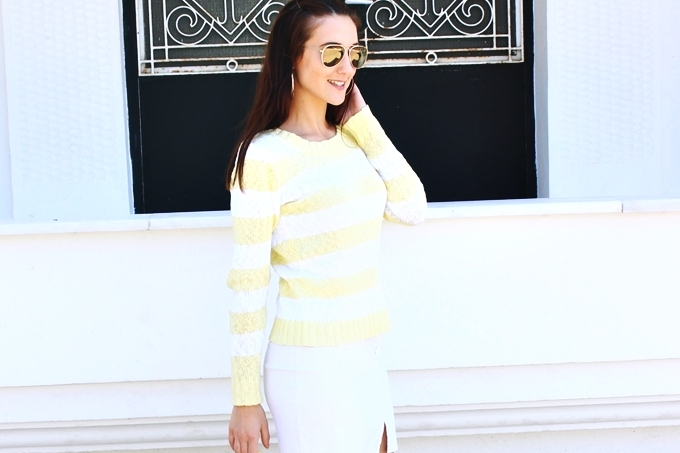 Clockhouse yellow & white striped knitwear sweater.Zute i bele pruge.