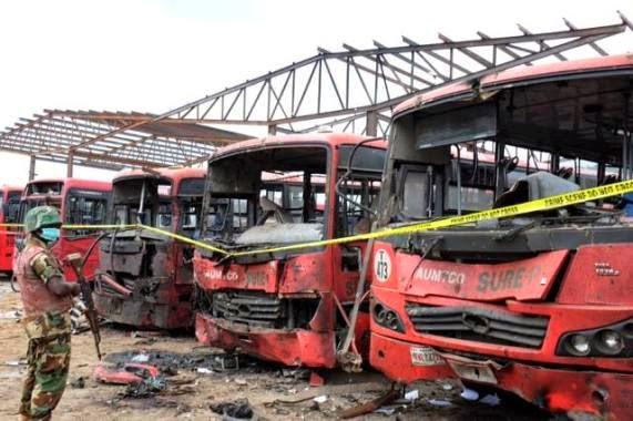 1 Pics from Pres. Jonathans visit to bomb victims at Asokoro Hospital