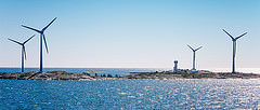 Åland / Ahvenanmaa:  Windmills at the Sea per Tuomo Lindfors a Flickr