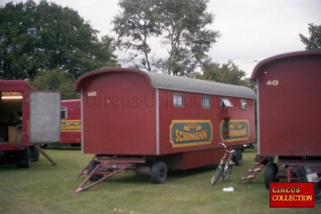 roulotte WC du cirque Danois