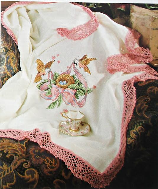 Вышивка на детских одеяльцах