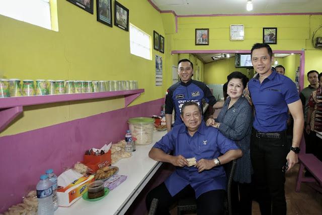 Di Kabupaten Kuningan, SBY Sekeluarga Sarapan Tahu Campur yang Melegenda