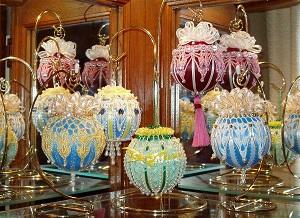 DIY - Decoração em crochê com bolas de natal