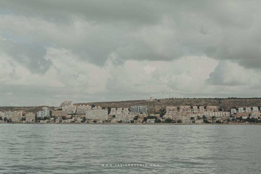 Santa Pola vista desde el mar