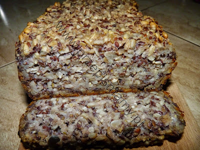 Chleb z siemieniem i miodem