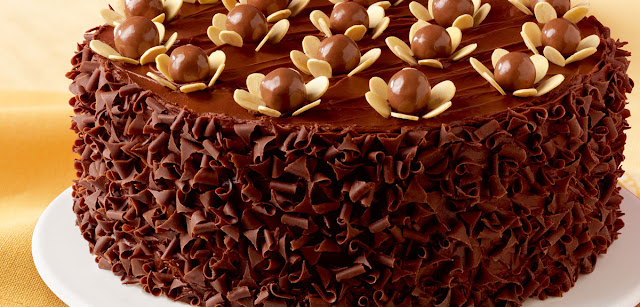 طريقة عمل كيك كرات الشوكولاتة بالحليب واللّوز