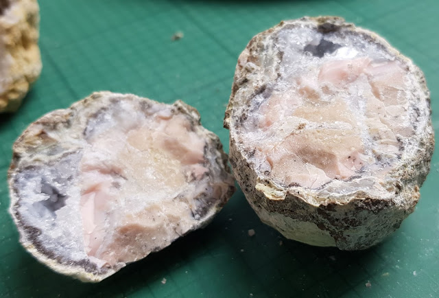 Opened quartz agate geode showing crystals inside