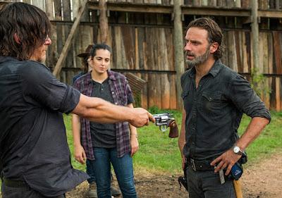 Daryl Dixon (Norman Reedus), Carl Grimes (Chandler Riggs), Tara Chambler (Alanna Masterson) e Rick Grimes (Andrew Lincoln) nell'episodio 8