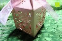 zoomen: 50pcs Love Heart Laser Wedding Favor Gift Box Kartonage Schachtel Bonboniere Geschenkbox Hochzeit (Pink)