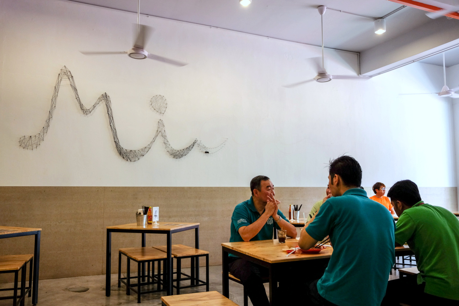 eat drink kl mian sunwaymas petaling jaya since that was what guoyi cooked for food markets while he was studying in hawaii one of many anecdotes that helped define mian s attention to detail
