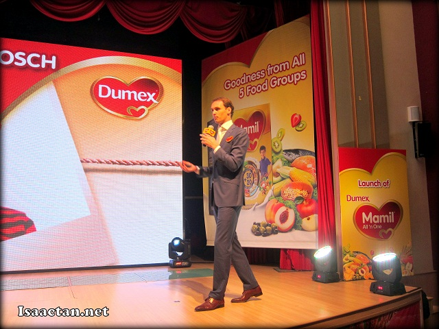 Christiaan Uittenbosch, Marketing Manager of Dumex Mamil Range at the launch