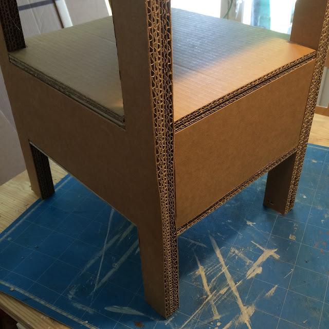 Etagère échelle en carton