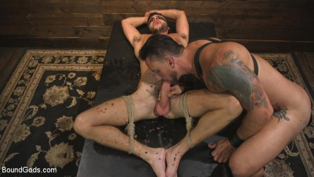 Scott De Marco, Dakota Rivers – Horny Sub is Tormented With the Fucksaw and Hot Wax Pendulums!