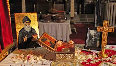 Γέροντας Παΐσιος:  Πώς να ζούμε πνευματικά τις γιορτές   Επιμέλεια Σοφία Ντρέκου