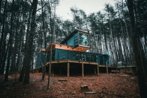 10-View-from-Below-The-Box-Hop-Container-Cabin-Architecture-www-designstack-co