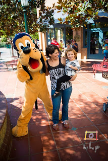 Pluto was also the one who bid farewell to Vivienne right before we leave Disneyland