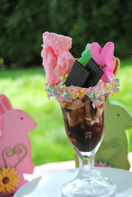 Crazy Easter sundae. See the crazy Easter milkshake on FizzyParty.com