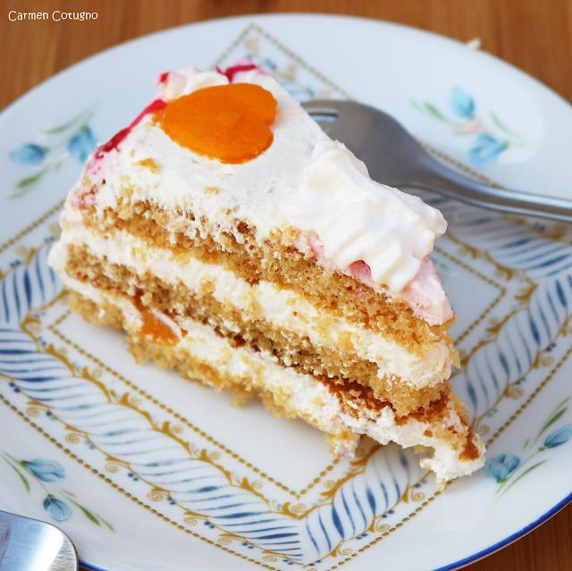 torta alle pesche e panna