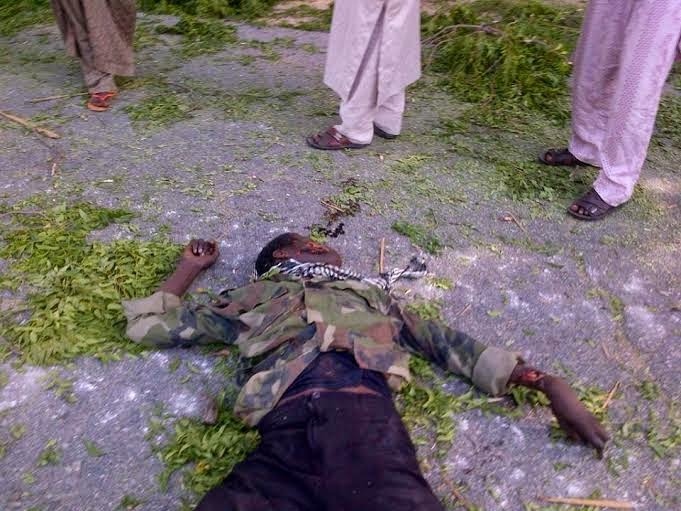6 Viewers Discretion Is Adviced!! See Pics Of Boko Haram Militants Nilled By Nigerian Troops (Graphic Photos)