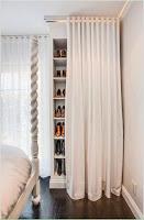 ideas para organizar el calzado escondidos en u rincon de la habitacion