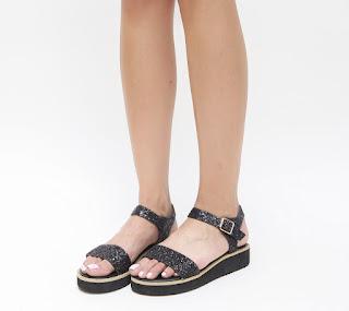 sandale negre cu talpa goasa cu sclipici